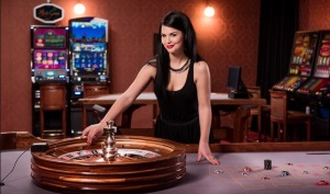 The live games at Palaces Live Casino include live blackjack and live roulette